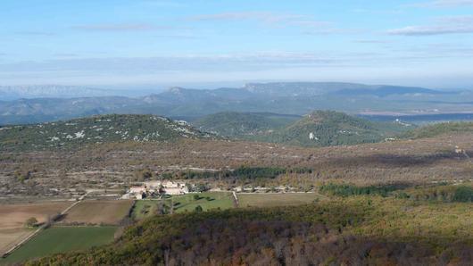 Vue des environs du massif de la Sainte-Baume