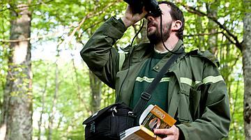 Des suivis sont effectués régulièrement pour identifier les espèces présentes