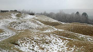 La neige révèle particulièrement bien les traces des trous d'obus