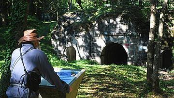 Le fort de Souville est aujourd'hui au cœur de la forêt