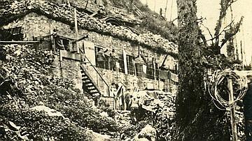 Photo de casernes allemandes dans la forêt