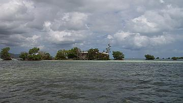 Ilot La Biche : Un des îlots de la Réserve Naturelle du Grand Cul-de-Sac Marin