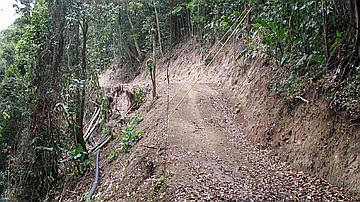 Ouverture de piste dans des massifs protégés