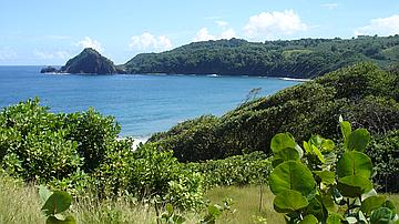 Vue du Pain de Sucre depuis le sentier littoral Nord Atlantique