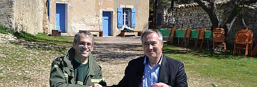Benoît Fraud, directeur commercial Bois&Services à l'ONF et Xavier Padovani, co-fondateur de la Phocéenne de Cosmétique