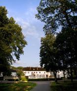 Située dans une clairière de la forêt domaniale de Sénart, la Faisanderie accueille le grand public et les scolaires