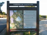 Sur le parking de Castillon, le panneau vous informe sur les caractéristiques des trois sentiers balisés