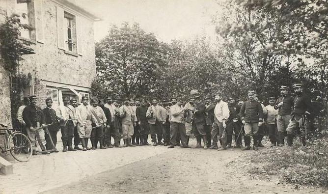 Avant la guerre, les chasseurs forestiers ont pour mission d'assurer la gestion des forêts (Sénart)