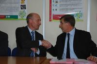 Pascal Viné et Jean-Louis Joseph, au moment de la signature de la convention