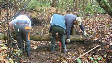 Mise en place d'un seuil sur un fossé de drainage