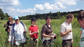 Les membres du comité de pilotage du LIFE visitent le marais d'Altenstadt