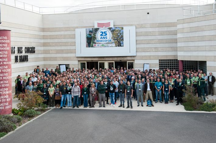 The event brought together more than 300 participants including ONF personnel and private forest managers, researchers from around the world, teachers and students, representatives from various institutions and associations, business representatives and journalists
